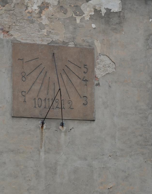Zegar słoneczny w Lewinie Brzeskim.jpeg