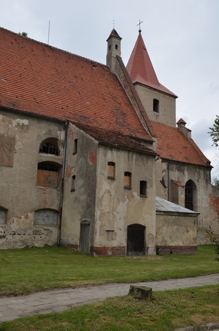 kościół ewangelicki - widok z tylu.jpeg