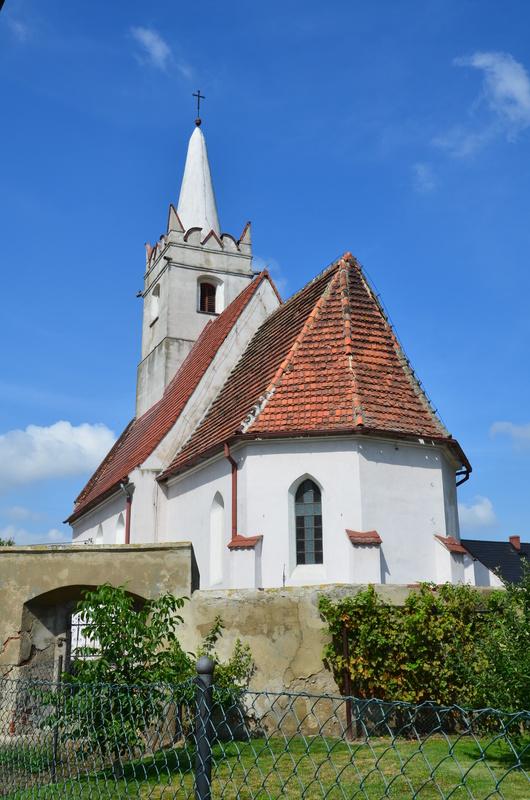 Kościół w Buszycach.jpeg