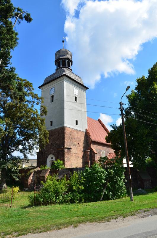 Kościół w Strzelnikach.jpeg