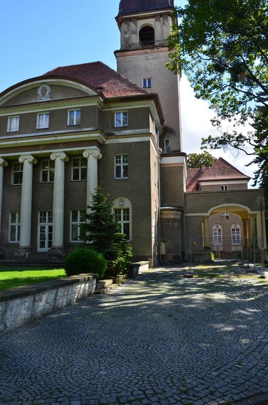 Pałac w Losiowie1.jpeg