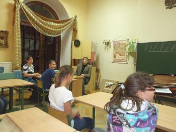 Noc w Gimnazjum w Lewinie Brzeskim