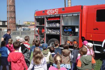 Przedszkolaki z wizytą w straży pożarnej