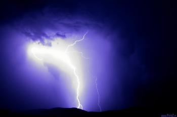 burza, źródło- www.fotoz.pl