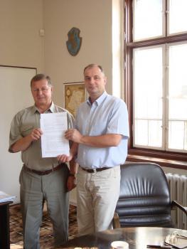 Podpisanie umowy z PKS na dowóz dzieci