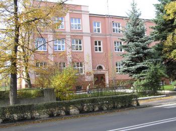 Szkoła Podstawowa w Lewinie Brzeskim