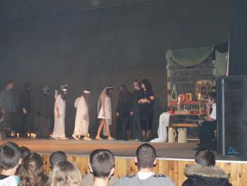 Gimnazjaliści na scenę