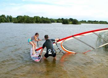 Sporty wodne w Lewinie, autor, St. Usiarczyk, Kurier Brzeski