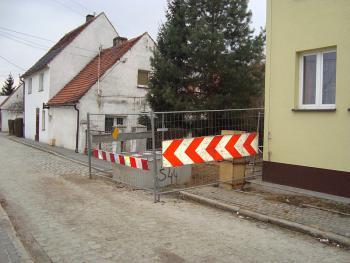 Budowa kanalizacji sanitarnej w Lewinie Brzeskim - marzec 2011 - ul. Kilińskiego