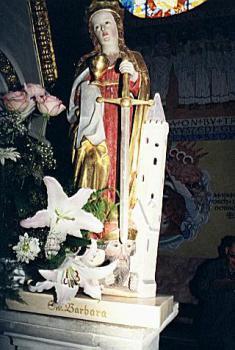 Święta Barbara - rzeźba z XV w. w Kościele w  Skorogoszczy