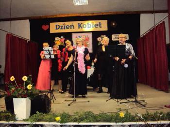 Galeria Dzień Kobiet w Łosiowie 2016