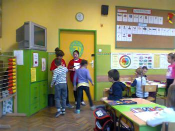 Galeria Z działalności Szkolnego Koła Caritas lewińskiej podstawówki