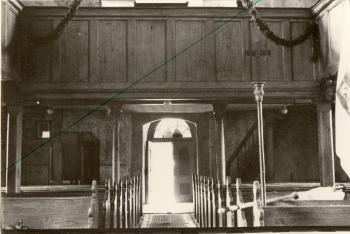 Empora organowa w kosciele św. Antoniego w Strzelnikach