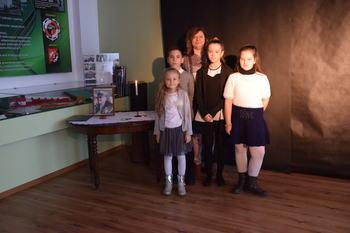 Galeria Sukcesy uczniów PSP w Lewinie Brzeskim w konkursach recytatorskich