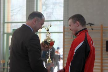 Mistrzostwa w Podnoszeniu Ciężaró w Skorogoszczy - wręczenie 1 nagrody w kategorii od 16 lat