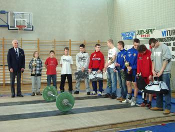 Mistrzostwa w Podnoszeniu Ciężarów w Skorogoszczy - prezentacja zawodników grupy do lat 16