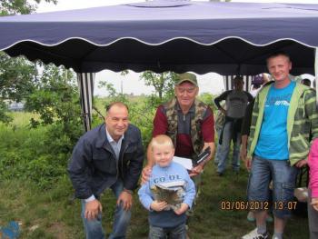 Zawody wędkarskie z okazji Dnia Dziecka