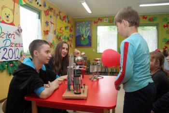 Spotkanie z młodymi fizykami w Lewinie Brzeskim