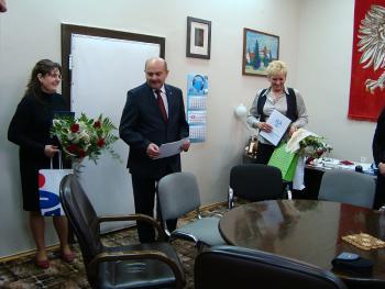 Gratulacje za odwagę dla dwóch pracownic banku w Lewinie Brzeskim