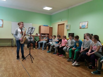 Galeria Moje pasje spotkanie z muzyką i tańcem w klasie 4a w PSP w Łosiowie