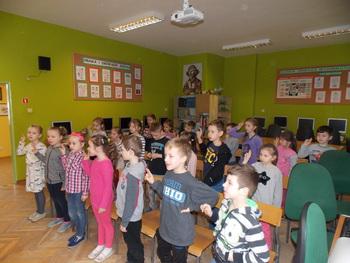 Galeria Uroczyste pasowanie uczniów klas I na czytelników  szkolnej biblioteki