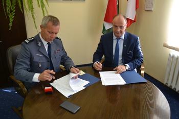 Galeria Porozumienia  pomiędzy Gminą Lewin Brzeski a Komendą Powiatową Policji w Brzegu