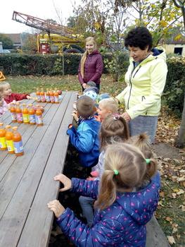 Galeria Przedszkolaki z Przedszkola Publicznego w Przeczy obchodziły Święto Pieczonego Ziemniaka.
