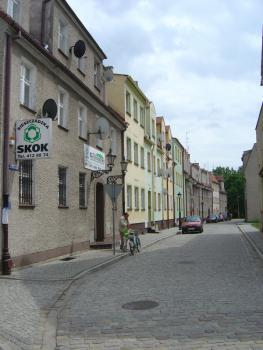 Rynek w Lewinie Brzeskim po rewitalizacji 1