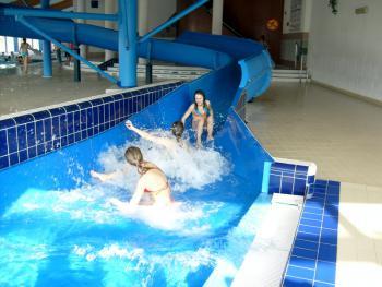 podstawówka na basenie