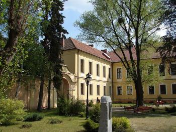 gimnazjum w Lewinie Brzeskim