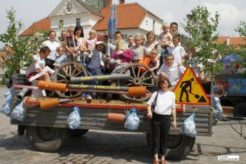 Sołectwo Sarny Małe - uczestnicy Turnieju sołectw 2007 - autor S.Usiarczyk Kuriel Brzeski