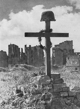 Powstańcza mogiła na Czerniakowie, żródło httppl.wikipedia.orgwikiGrafikaPolish_Soldier%27s_Grave_Warsaw_1945.jpg